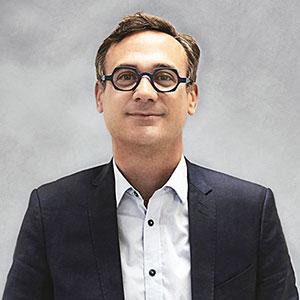 quatrième associé Julien David
